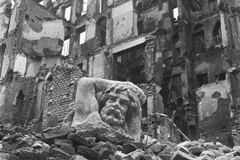 Ma noi ricostruiremo. La Milano bombardata del 1943 nell'Archivio Publifoto Intesa Sanpaolo